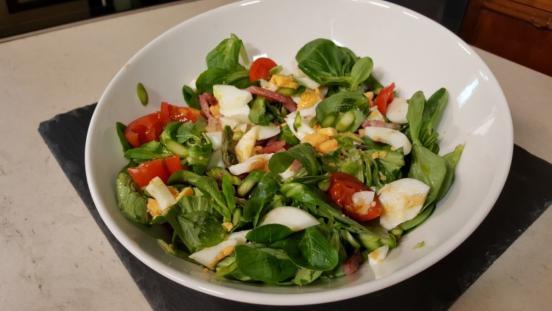 Insalata di soncino con asparagi e speack cotto e mangiato for Soncino insalata