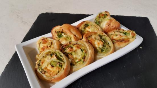 Girelle vegetariane con zucchine e brie