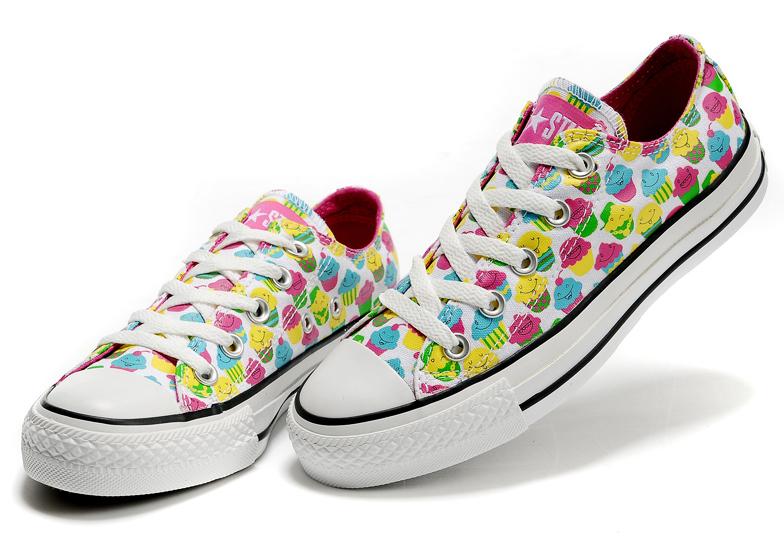 Regaliamo ai nostri piedi un paio di scarpe originali - Tgcom24 7823e2aac6a