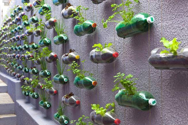 Eccezionale Bottiglie e tappi non si buttano Le venti idee green per  ZL31