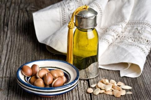 Olio di argan, un elisir naturale di giovinezza
