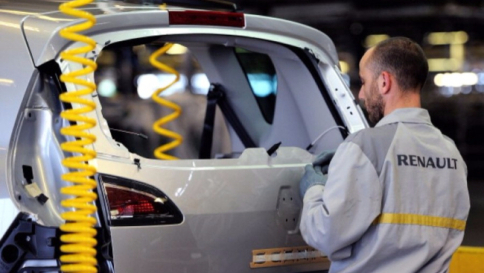 Renault richiamerà 15 mila vetture per modifiche