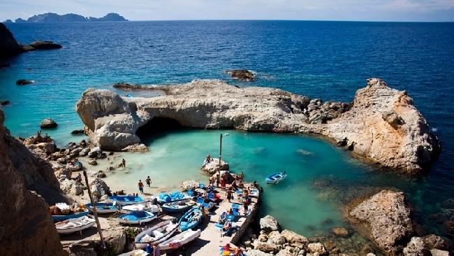 Ponza storia affascinante e spiagge da sogno - Piscine rocciose ...