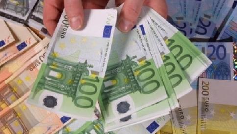 """Crisi, crolla il gettito dell'Iva in 8 mesi Mef: """"Persi 3,7 miliardi di euro"""""""