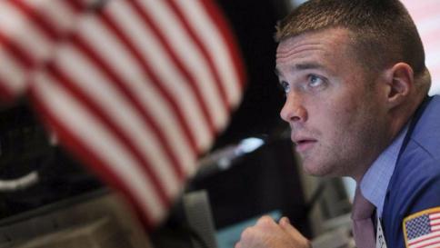 Wall Street parte con il segno più