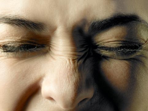 Camomilla e cetriolo contro il gonfiore degli occhi