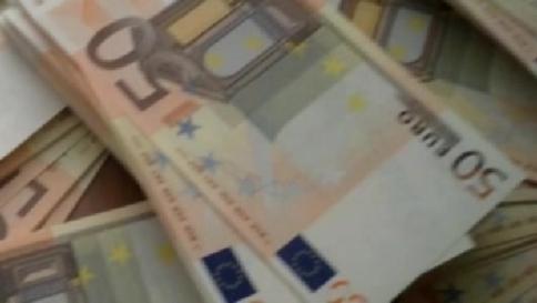 Italiani sempre più euroscettici: 4 su 10 vorrebbero uscire dall'euro