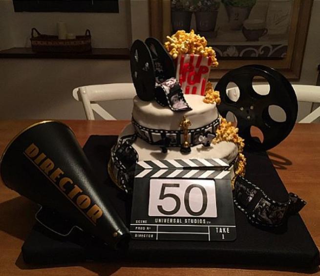 Super Laura Torrisi, torta di compleanno per Leonardo Pieraccioni  TN59