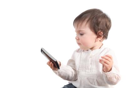 Smartphone e tablet: non mettiamoli tra noi e i bambini
