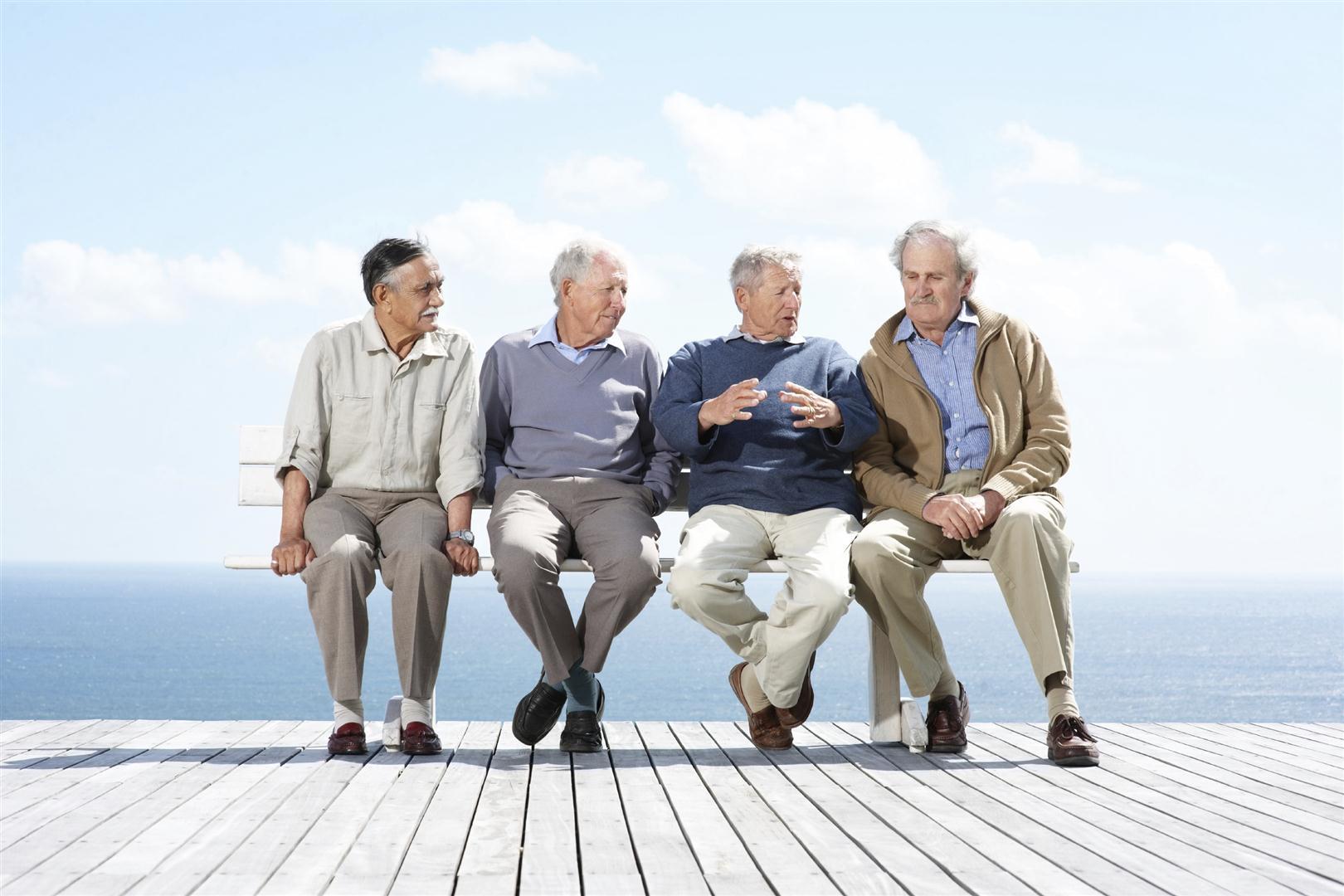 Giovani in difficoltà e gli anziani si trasformano in ammortizzatori sociali