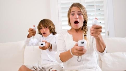 """Eurispes: """"I videogame stimolano la creatività e migliorano l'umore"""""""