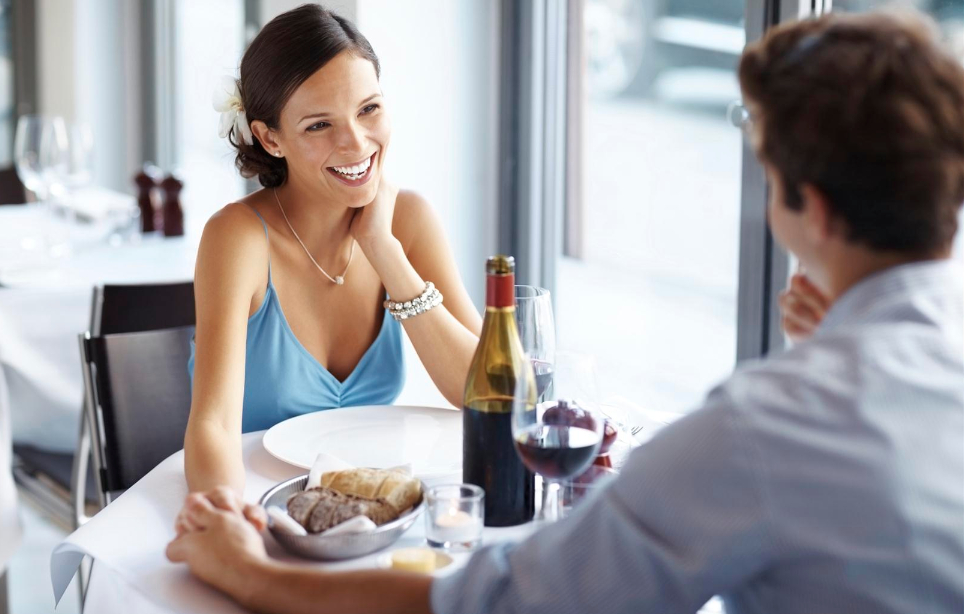 Alleggerisci i tuoi momenti conviviali: come risparmiare calorie a tavola