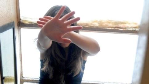 Bimba marocchina segregata e picchiata: arrestati i familiari$