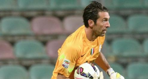 Juve, accordo con Buffon per il rinnovo fino al 2017