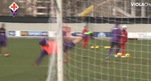 Fiorentina, torna Gomez: rovesciata spettacolare in allenamento