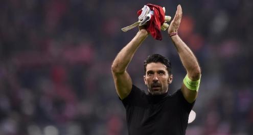 Imbattibilità, Buffon ringrazia i compagni: