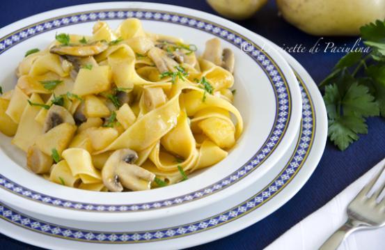 Pappardelle con funghi e patate
