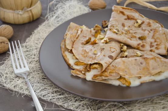 Crepes di castagne con noci e gorgonzola