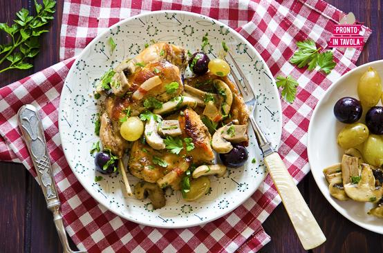 Coniglio ai funghi e uva ricetta di pronto in tavola - Ricette monica bianchessi pronto in tavola ...