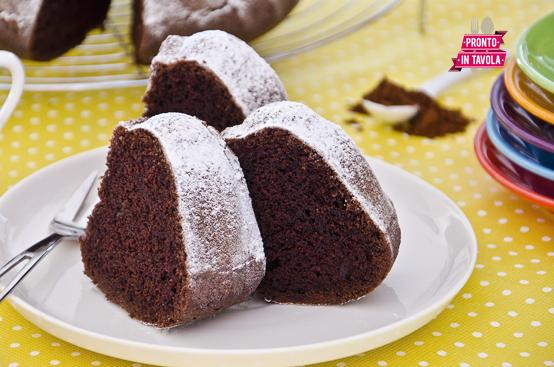 Torta di albumi al cacao ricetta di pronto in tavola - Ricette monica bianchessi pronto in tavola ...
