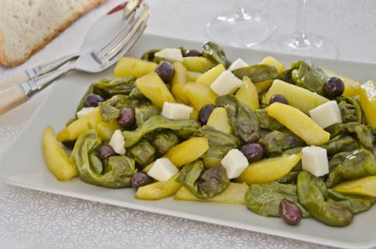 Friggitelli con patate e olive