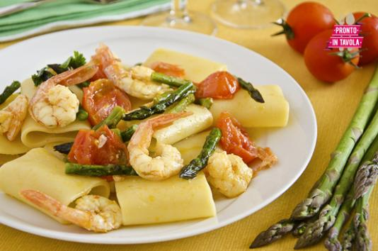 Paccheri con gamberi e asparagi