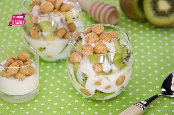 Coppette di yogurt e kiwi ricetta di pronto in tavola - Tgcom pronto in tavola ...
