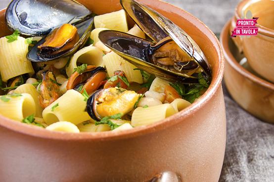 Pasta fagioli e cozze ricetta di pronto in tavola - Ricette monica bianchessi pronto in tavola ...