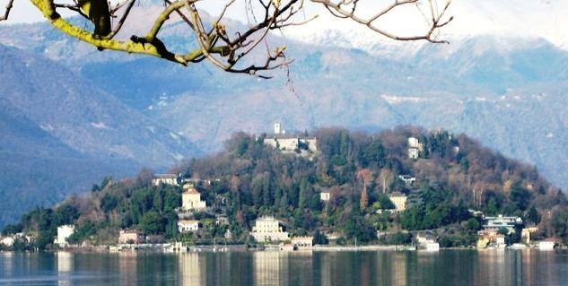 A passeggio sulle rive del Lago d'Orta