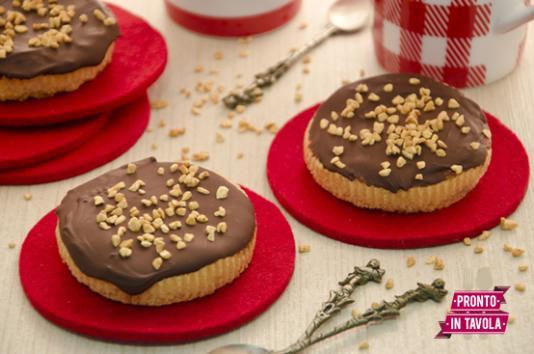 Tortine al cioccolato e nocciole
