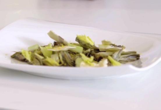 Insalatina di carciofi, sedano e bottarga
