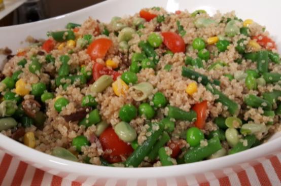 Insalata di quinoa con verdure cotto e mangiato for Cocinar 1 taza de quinoa