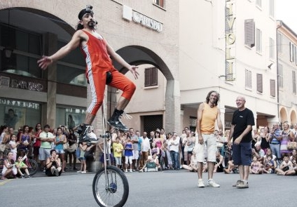 """A Milano """"Open Street"""", Vetrina Internazionale dell'Arte di Strada"""
