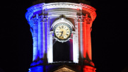 Parigi ricorda le vittime a una settimana dagli attacchi: foto