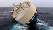 Francia, cargo rovesciato alla deriva: fallito tentativo di...