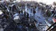 Damasco, tre esplosioni al mausoleo sciita: 71 morti