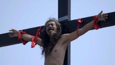 Via Crucis nel mondo: rivive la passione di Cristo