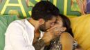 """Grande Fratello 14"": Alessandro bacia Desiree, poi piange pensando a Lidia"