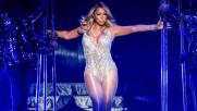 Mariah Carey, che spettacolo: canta in body e mostra le curve