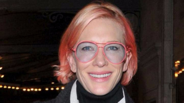 Cate Blanchett si tinge di rosa