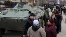 Crimea, assalto alle base aerea di Kiev<br>Putin sfida l'Ue, nuovo stop all'Ocse