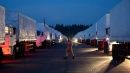 """L'Ucraina blocca i camion con gli aiuti russi  Ma Lavrov ribatte: """"Abbiamo l'ok di Kiev"""""""