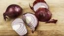 """Mangiare cipolle protegge dal cancro allo stomaco e il segreto è nella """"puzza"""""""