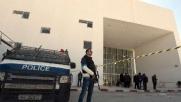 Tunisi, così la città si sveglia il giorno dopo la strage