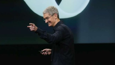 """Apple, Tim Cook: """"Sono gay e sono orgoglioso di esserlo"""""""
