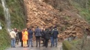 Maltempo, bomba d'acqua su Massa<br>Frana su una strada, isolati due paesi