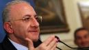 """Salerno, il tribunale fa decadere per """"doppio incarico"""" il sindaco De Luca"""