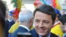 """Renzi: """"Farei un dibattito con Grillo"""" """"Ma lui preferisce urlare dalla piazza"""""""