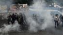 """Napoli in piazza: """"Liberiamoci della Bce""""  Scontri tra manifestanti e forze dell'ordine"""