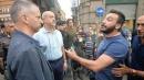 """Genova, commercianti contestano sindaco """"Siete pagliacci"""", """"prendi la pala e pulisci"""""""